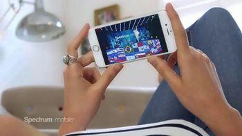 Spectrum Mobile TV Spot, 'Transmisión de música' canción de Ozuna, Doja Cat, Sia [Spanish] - Thumbnail 5