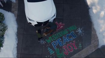 Lexus December to Remember Sales Event TV Spot, 'Driveway Moments: Peace and Joy' [T1] - Thumbnail 6