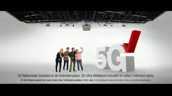Verizon Black Friday TV Spot, 'The 5G America's Been Waiting For: iPhone 12 on Us' - Thumbnail 6
