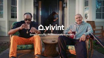 Vivint TV Spot, 'Guard Doggs' Featuring Snoop Dogg, Nathan Apodaca - Thumbnail 10
