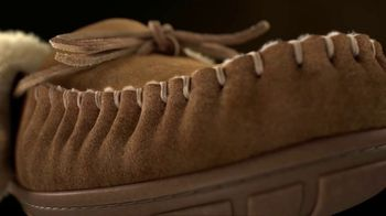 L.L. Bean Wicked Good Slippers TV Spot, 'Holidays: Made for This' Song by Cheryl Lynn