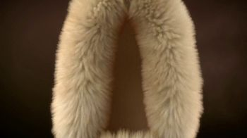 L.L. Bean Wicked Good Slippers TV Spot, 'Holidays: Made for This' Song by Cheryl Lynn - Thumbnail 5