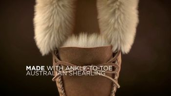 L.L. Bean Wicked Good Slippers TV Spot, 'Holidays: Made for This' Song by Cheryl Lynn - Thumbnail 6