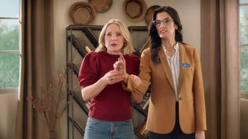 La-Z-Boy Black Friday Sale TV Spot, 'Magic: No Interest' Featuring Kristen Bell - Thumbnail 6