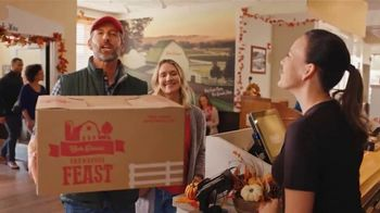 Bob Evans Restaurants Farmhouse Feast TV Spot, 'Thanksgiving: Feeds Up to 10' - Thumbnail 1