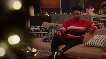Portal from Facebook TV Spot, 'Holiday Stories With Leslie Jones' - Thumbnail 6