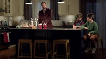 Amazon Black Friday TV Spot, 'Spend Less Smile More: Cam' - Thumbnail 8
