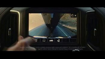 2020 GMC Sierra TV Spot, 'Jaw Drop: Bear' [T2] - Thumbnail 4