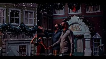Gaylord Hotels TV Spot, 'I Love Christmas Movies: Nashville Opryland' - Thumbnail 9