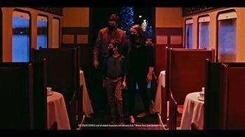 Gaylord Hotels TV Spot, 'I Love Christmas Movies' - Thumbnail 8