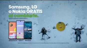 Cricket Wireless TV Spot, 'Vacaciones: pelea de bolas de nieve' [Spanish] - Thumbnail 8