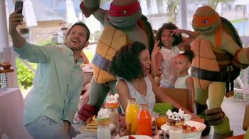 Nickelodeon Hotels & Resorts Black Friday Cyber Sale TV Spot, 'Lets Loose: 70 Percent' - Thumbnail 6