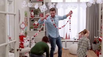 Michaels TV Spot, 'Holidays: 40% Off Floral and Decor' - Thumbnail 4