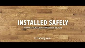 LL Flooring TV Spot, 'Bellawood Oak Floor: No Interest' Song by Electric Banana - Thumbnail 9