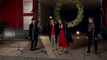 Disney+ TV Spot, 'High School Musical: The Musical: The Holiday Special' - Thumbnail 3