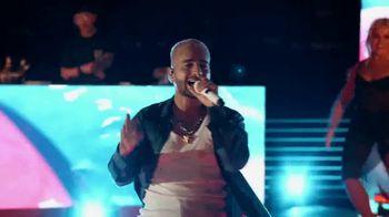 Michelob ULTRA Pure Gold TV Spot, 'Playa' Song by Maluma [Spanish] - Thumbnail 6