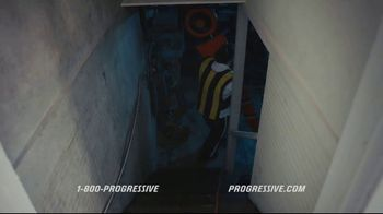 Progressive TV Spot, 'Sticking Together: Basement' - Thumbnail 4