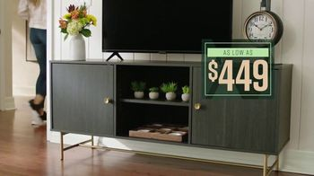 Ashley HomeStore Lowest Prices of the Season TV Spot, 'Dining Room and Living Room: 0% Interest' - Thumbnail 5