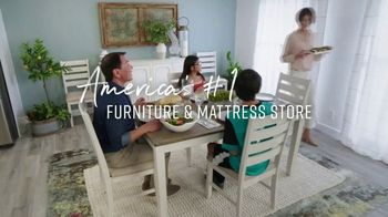 Ashley HomeStore Lowest Prices of the Season TV Spot, 'Dining Room and Living Room: 0% Interest' - Thumbnail 7