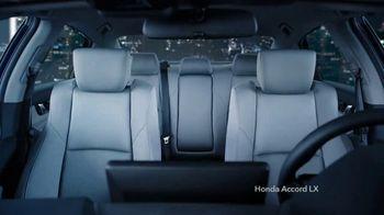 2020 Honda Accord LX TV Spot, 'Versus' [T2] - Thumbnail 5