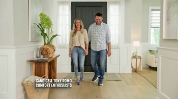 SKECHERS Max Cushioning TV Spot, To the Max' Featuring Candance and Tony Romo - Thumbnail 1