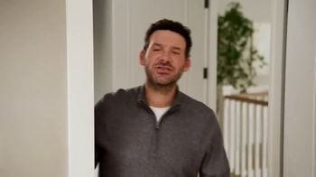 SKECHERS Max Cushioning TV Spot, To the Max' Featuring Candance and Tony Romo - Thumbnail 4