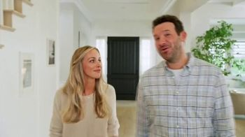 SKECHERS Max Cushioning TV Spot, To the Max' Featuring Candance and Tony Romo - Thumbnail 6