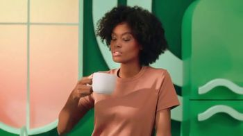 Starbucks Creamer TV Spot, 'Smooth and Creamy at Home' - Thumbnail 7