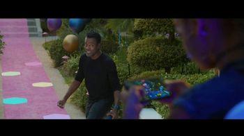 Verizon TV Spot, '5G Just Got Real' Featuring Chris Rock - Thumbnail 9