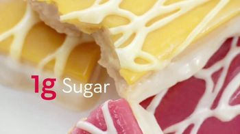 Atkins Dessert Bars TV Spot, 'Have Dessert First: Dulce' Featuring Rob Lowe - Thumbnail 4