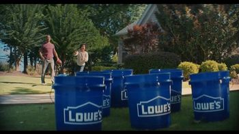 Lowe's TV Spot, 'Getting Ready For Game Day' Featuring Rodney Harrison - Thumbnail 3