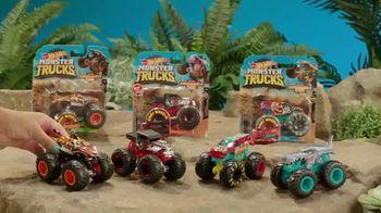Hot Wheels Monster Trucks TV Spot, 'Take on Your Back Yard' - Thumbnail 10