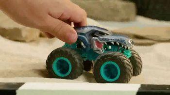 Hot Wheels Monster Trucks TV Spot, 'Take on Your Back Yard' - Thumbnail 8