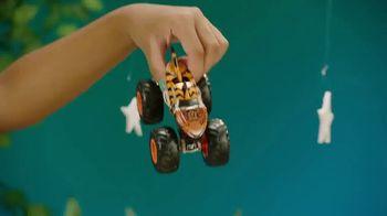 Hot Wheels Monster Trucks TV Spot, 'Take on Your Back Yard' - Thumbnail 9
