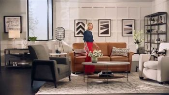 La-Z-Boy Early Black Friday Sale TV Spot, 'So Many Colors' Featuring Kristen Bell - Thumbnail 5