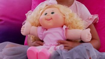 Cabbage Patch Kids TV Spot, 'The World of Cabbage Patch Kids Keeps Growing' - Thumbnail 1