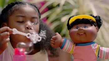 Cabbage Patch Kids TV Spot, 'The World of Cabbage Patch Kids Keeps Growing' - Thumbnail 7