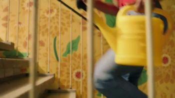 Burt's Bees TV Spot, 'Rooftop Garden' - Thumbnail 1