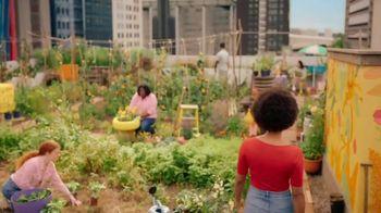 Burt's Bees TV Spot, 'Rooftop Garden'