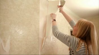 Checking in With Chelsea TV Spot, 'Wallpaper Removal'