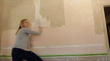 Checking in With Chelsea TV Spot, 'Wallpaper Removal' - Thumbnail 4