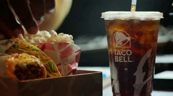 Taco Bell My Cravings Box TV Spot, 'Eat Like You' Featuring Noah Centineo - Thumbnail 4