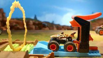 Hot Wheels Monster Trucks Stunt Tire TV Spot, 'Unfolds Into an Epic Stunt Arena'