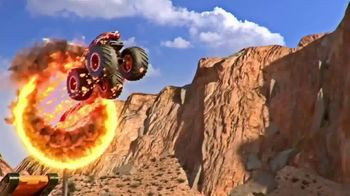 Hot Wheels Monster Trucks Stunt Tire TV Spot, 'Unfolds Into an Epic Stunt Arena' - Thumbnail 2