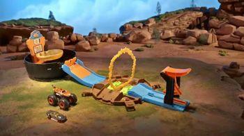 Hot Wheels Monster Trucks Stunt Tire TV Spot, 'Unfolds Into an Epic Stunt Arena' - Thumbnail 5