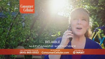 Consumer Cellular TV Spot, 'Folks: Chrissy and Mitch: Get $50' - Thumbnail 7