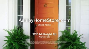 Ashley HomeStore Biggest Presidents Day Sale Ever TV Spot, 'No Interest and 30% Off' - Thumbnail 10