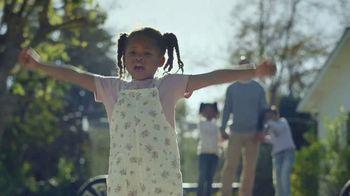 General Motors TV Spot, 'Welcome to Generation E' Feat. Bethany Hamilton, Malcolm Gladwell Song by FNDTY [T1] - Thumbnail 7