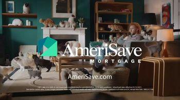 AmeriSave Mortgage TV Spot, 'Mike the Cat Lady Man: Mortgage Rate' - Thumbnail 9