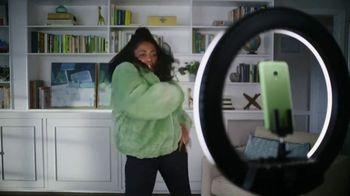 Cricket Wireless More Phone, More Fun MegaSale TV Spot, 'Mom Dancing to K-Pop' - Thumbnail 2